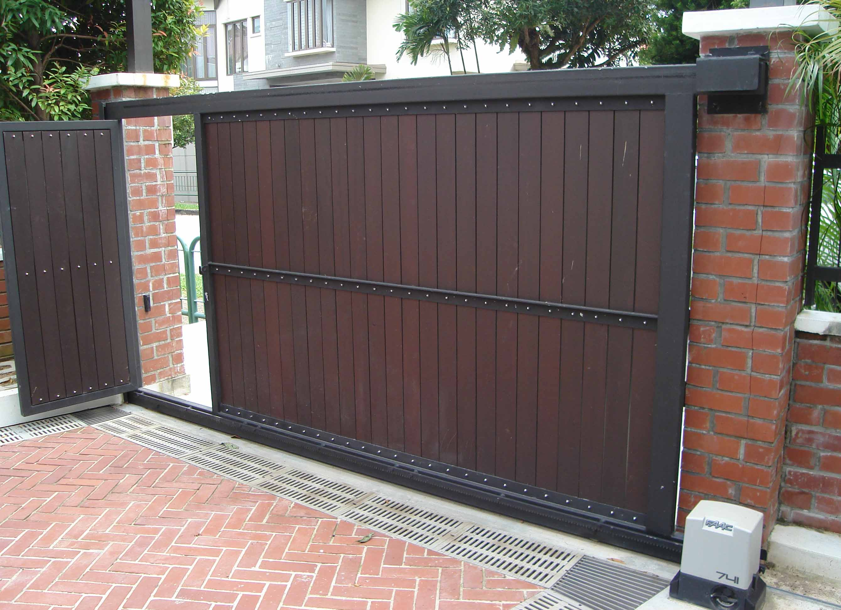 Retractable Door Gates   Pezcame.Com